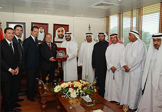 Abudabi, visita alla Mezza Luna rossa degli Emirati Arabi Uniti