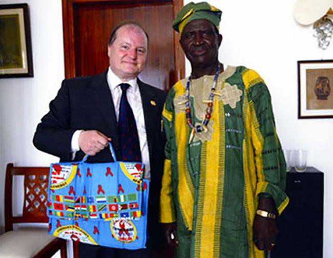 Camerun, con il Re Momo I della Etnia Bamilike