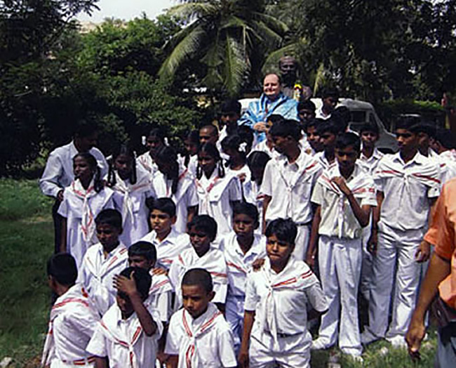 Chennai, con i giovani della croce Rossa Indiana
