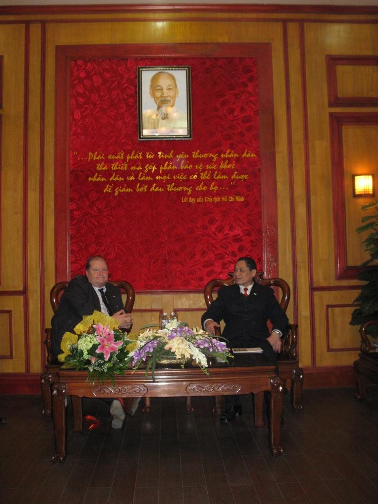 Hanoi – Con il Presidente della Croce Rossa Vietnamita
