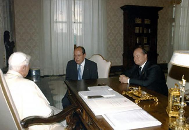 Incontro con Papa Benedetto XVI e il Presidente delle Federazione Internazionale Croce rossa e Mezza Luna rossa.