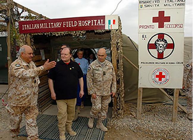 Nassiriya visita al contingente della Croce Rossa