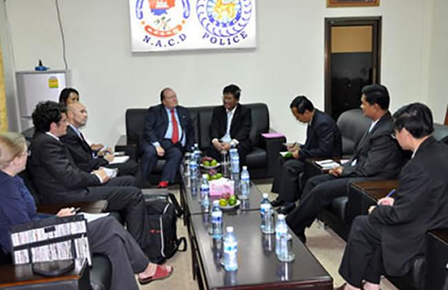 Phnom Pen, incontro con le autorità per la lotta contro la droga in Cambogia